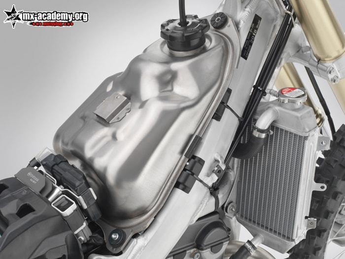 Honda CRF250 2018 mit Titantank